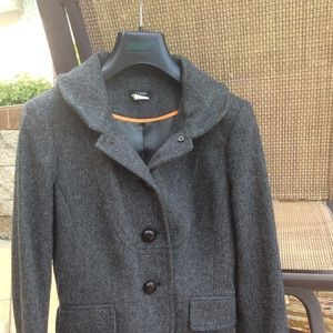 100% wool jacket. Excellent condition.
